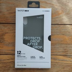 NIB IPhone XS Max tech21 Evocheck Case